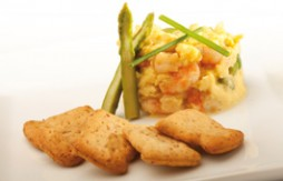 Scrambled Eggs with Prawns and Asparagus with Quely Tres