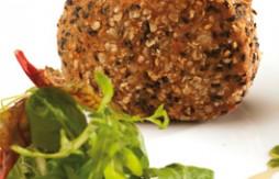 Filet de veau farci au foie gras de canard, pané au Quely Picada et aux flocons d'avoine