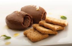 Quely Tres mit Schokolade, Olivenöl, Hibiskussalz