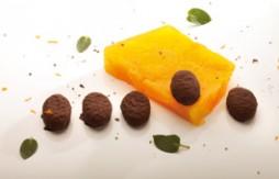 Kalte Mandarinen- und Orangen-Terrine mit QuelyBon